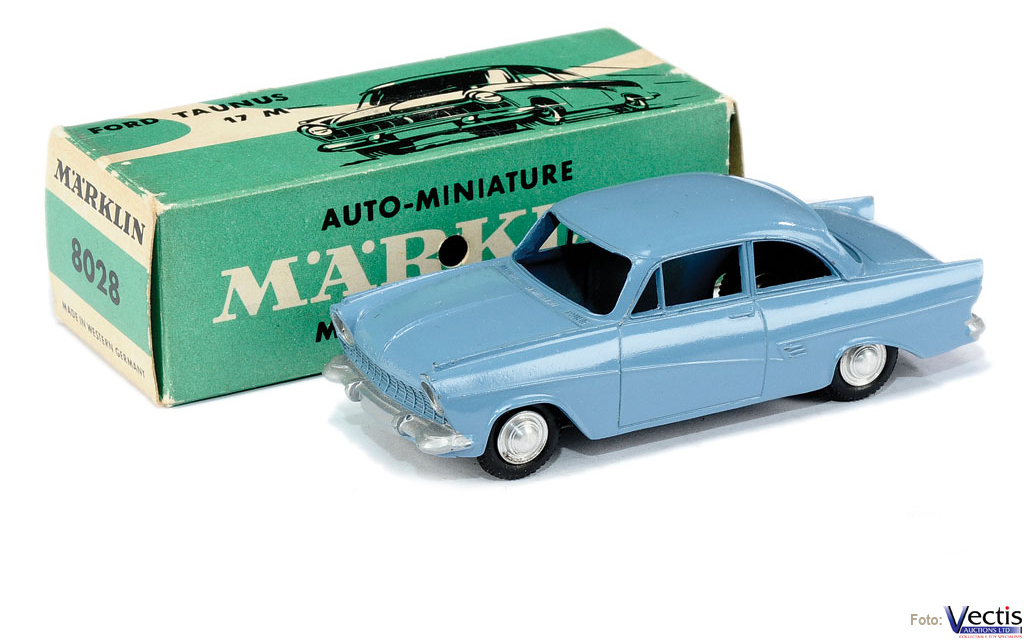 8028 FORD TAUNUS 17M (UN COLOR)